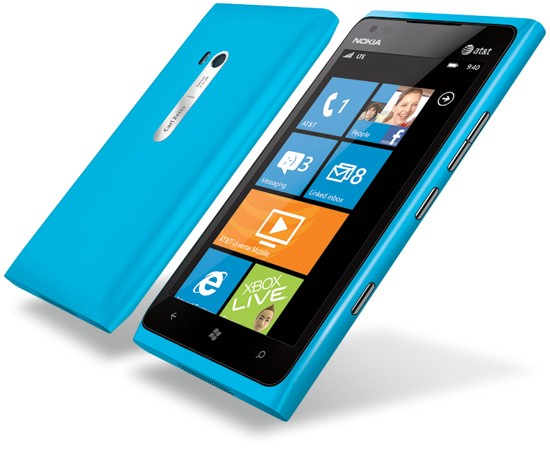 Nokia Lumia 900 Cyan Color Out of Stock Almost Everywhere